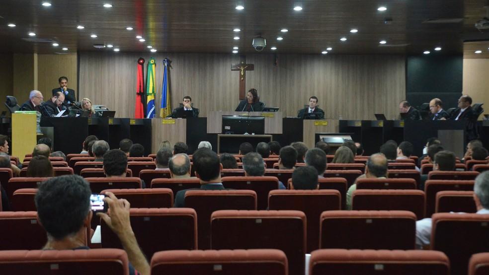 Pleno do Tribunal Regional Eleitoral da Paraíba (TRE-PB) julgou Aije da PBPrev, contra o governador Ricardo Coutinho (Foto: Krystine Carneiro/G1)