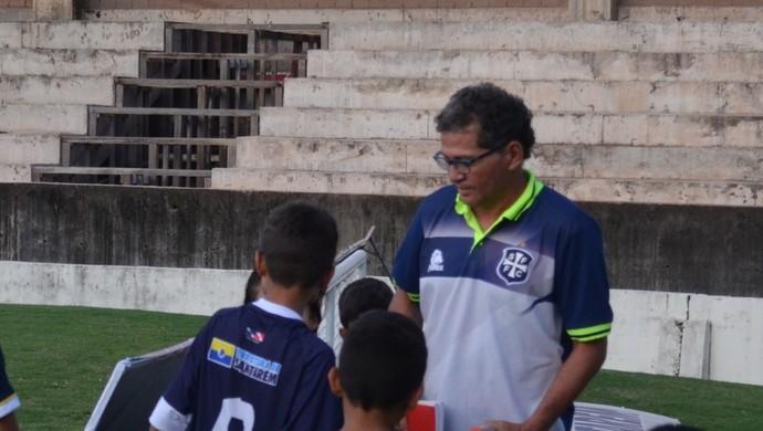 Técnico Walter Lima comentou atuação do São Francisco contra o Baré-RR (Foto: Dominique Cavaleiro/GloboEsporte.com)