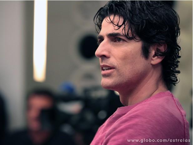 Reynaldo Gianecchini em seus últimos momentos com cachinhos (Foto: TV Globo/ Estrelas)