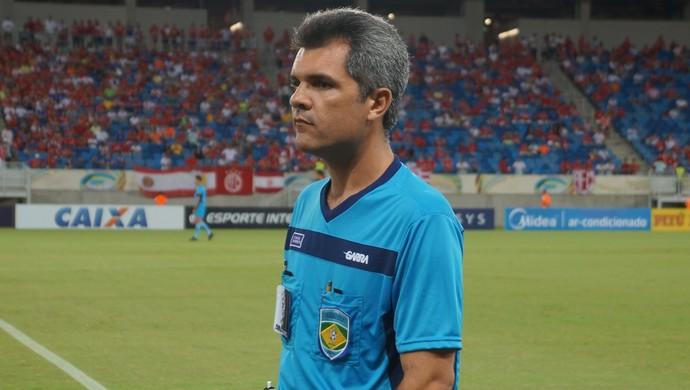 Ítalo Medeiros de Azevedo - árbitro potiguar (Foto: Augusto Gomes/GloboEsporte.com)