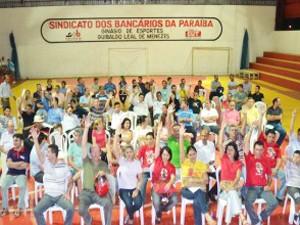 Bancários da Paraíba votam pelo fim da greve durante assembleia (Foto: Divulgação/SEEB-PB)