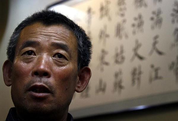 Chen Guangfu, o irmão mais velho do dissidente chinês Chen Guangcheng (Foto: David Gray/Reuters)