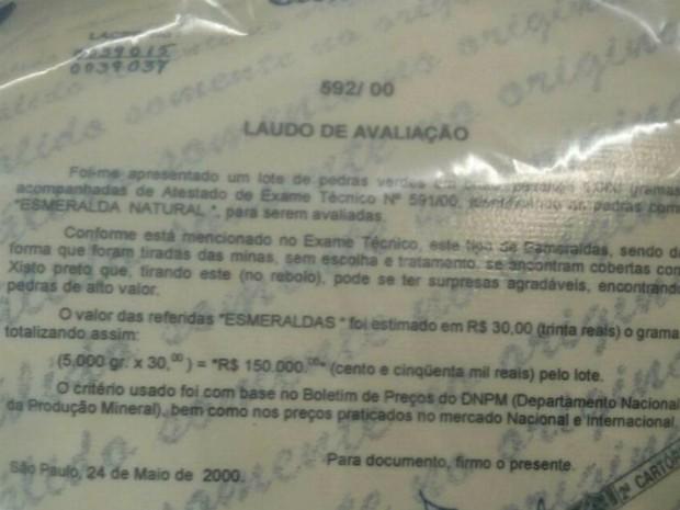 Polícia manteve esmeraldas lacradas com certificado de garantia (Foto: Cláudio Nascimento/ TV TEM)