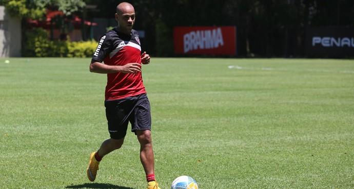 Carlinhos São Paulo (Foto: Rubens Chiri / site oficial do São Paulo FC)