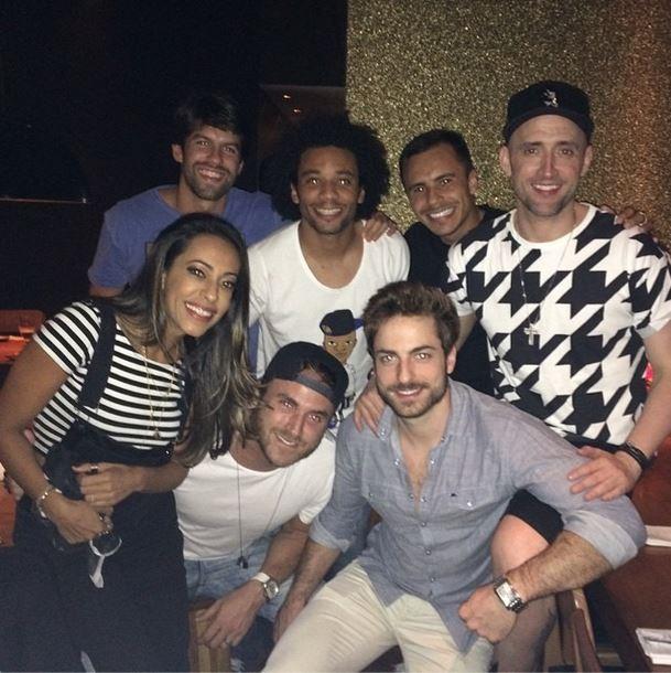 Marcelo com equipe do Vai que cola (Foto: Instagram/Reprodução)