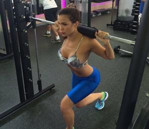 Kamilla conta que saiu da dieta por ansiedade com os preparativos (Foto: Arquivo pessoal)