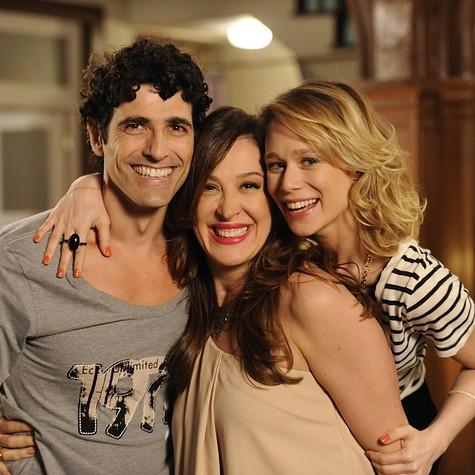 Claudia Raia visita Gianecchini e Mariana Ximenes no estudio (Foto: Estevam Avellar/ TV Globo)
