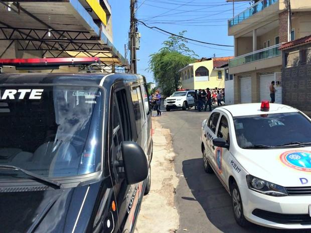 Área isolada fica no bairro no bairro Alvorada (Foto: Rickardo Marques/G1 AM)