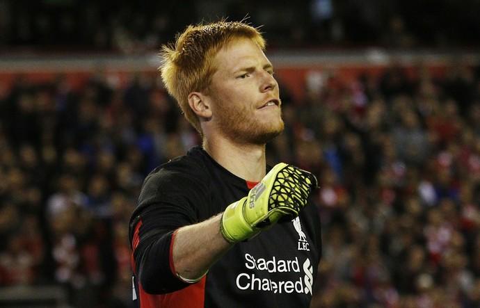 Bogdan vibra com defesas - Liverpool (Foto: Reuters)