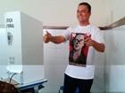 Governador eleito, Rui Costa vota na capital (Maiana Belo/G1)