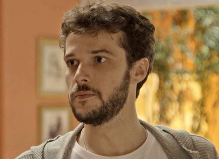 Giovanni revela a Camila que Bruna é sua ex