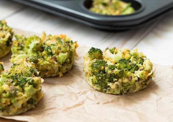 Bolinho de brócolis com cheddar (Foto: Thinkstock)