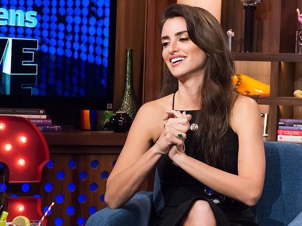 Penélope Cruz no programa de TV 'Watch what happens' (Foto: Divulgação/NBCUniversal)