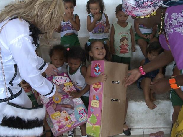 Crianças terão natal mais feliz por conta da turma do 'Pão com Ovo' (Foto: Reprodução/ TV Mirante)