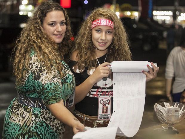 Aos 11 anos, Giovanna fez carta gigante para conhecer Luana Santana em Jaguariúna (Foto: Felipe Albertoni)