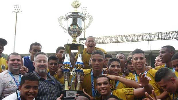 Tigres conquistou a Taça Corcovado Sub-20 e está no triangular final da categoria (Foto: Úrsula Nery/Ag. Ferj)
