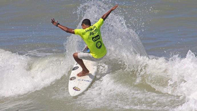 Victor Costa surfista surf (Foto: Eros Sena)