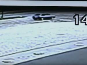 Polícia suspeita que criança foi levada em Gol (Foto: Reprodução/RBS TV)