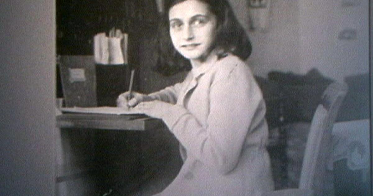Museu Anne Frank terá que devolver arquivos a fundação do pai da garota