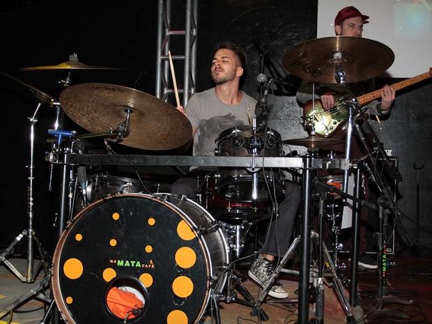 Junior Lima em show da banda Soul Funk em São Paulo (Foto: Orlando Oliveira/ Ag. News)