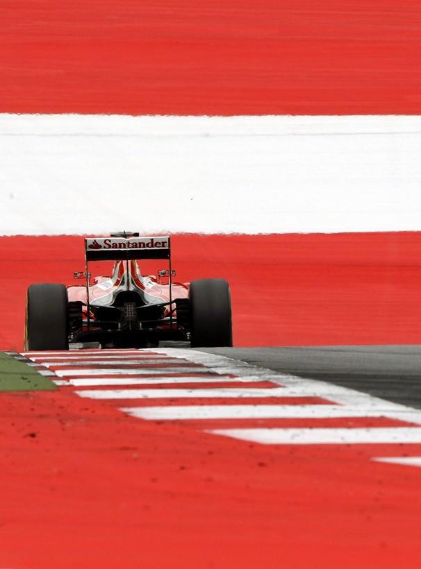 Sebastian Vettel nos treinos livres para o GP da Áustria, que a Globo exibe neste domingo, dia 21 (Foto: EFE)