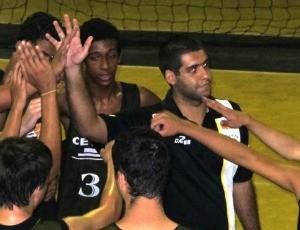 Técnico João Victor Freitas, sub-16, Vila Velha/Cetaf (Foto: Reprodução/Facebook)