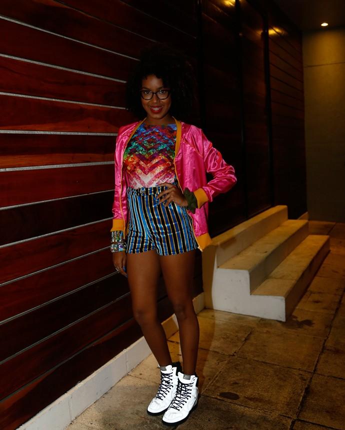Toda cheia de estilo, Lellêzinha mandou muito bem na combinação das cores (Foto: Raphael Dias/Gshow)