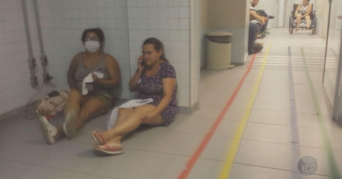 Hospital tem pacientes esperando no chão e falta de funcionários; vídeo