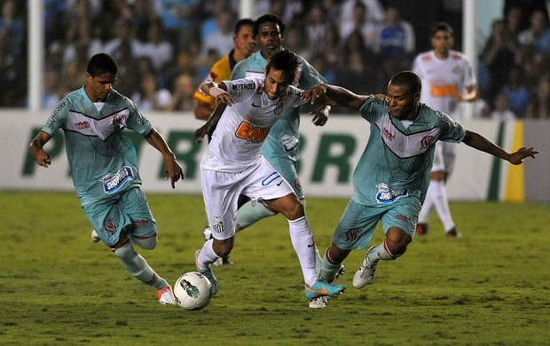 santos x náutico douglas santos (Foto: Ricardo Saibun/Divulgação Santos FC )