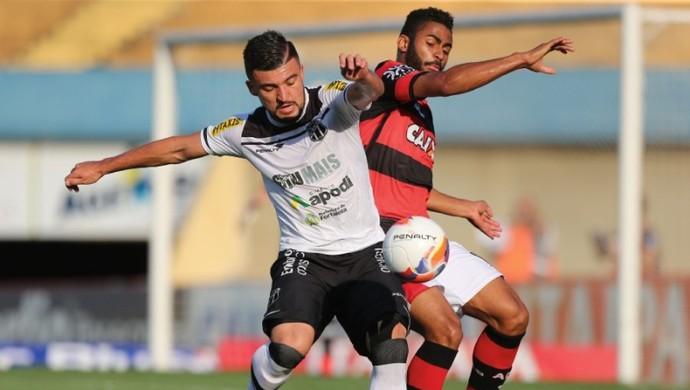 Atlético-GO x Ceará - Série B 2015 (Foto: Wildes Barbosa / O Popular)