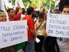 Manifestantes fazem ato em BH contra impeachment de Dilma Rousseff