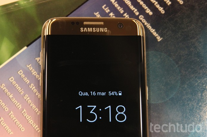 "Galaxy S7 Edge tela Super Amoled de 5,5"" (Foto: Luana Marfim/TechTudo)"