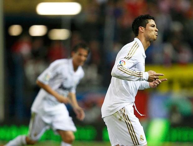 Cristiano Ronaldo comemorando gol - Atlético de madrid X Real MAdrid (Foto: Ag. Reuters)