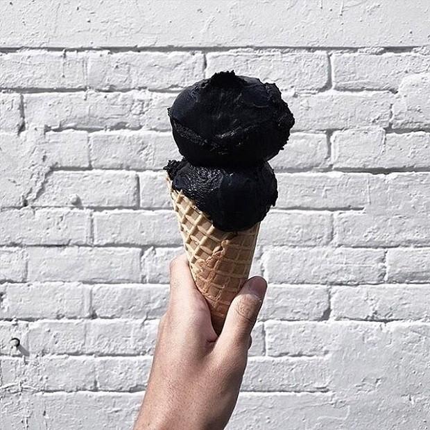 sorvete-negro (Foto: Reprodução/Instagram)