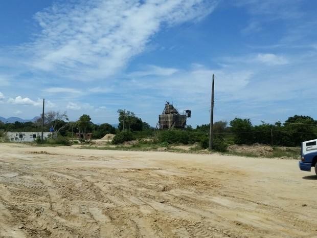 Comando de Polícia Ambiental interditou quatro areais na Baixada Fluminense (Foto: Divulgação/Polícia Ambiental)