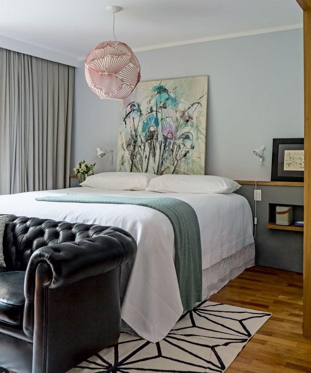 apartamento-dt-estudio-quarto-cabeceira-drywall-quadro (Foto: Edu Castello/Editora Globo)