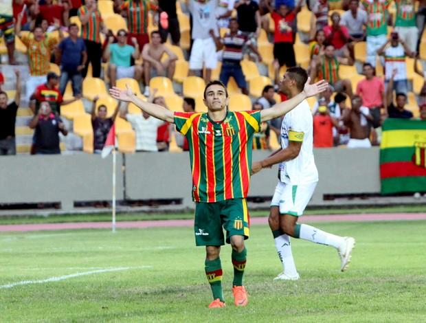 Pimentinha comemora gols pelo Sampaio (Foto: Biaman Prado/O Estado)