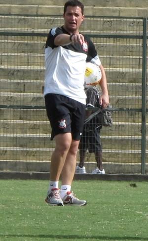 Osmar Loss técnico base Corinthians (Foto: Rodrigo Faber)