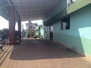 Nesta quinta-feira (3) não ocorreu atendimento médico no hospital (Foto: Jéssica Alves/G1)