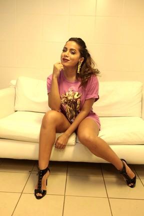 Anitta se apresenta na véspera do Dia dos Namorados em evento no Rio (Foto: Isac Luz/EGO)