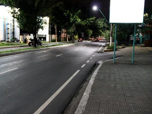 Tentativa de assalto aconteceu na Avenida Paraíba, Zona Centro-Sul de Manaus (Foto: Marcos Dantas/G1)