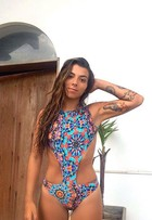 Petra Mattar usa maiô engana-mamãe e mostra boa forma após perder 12kg