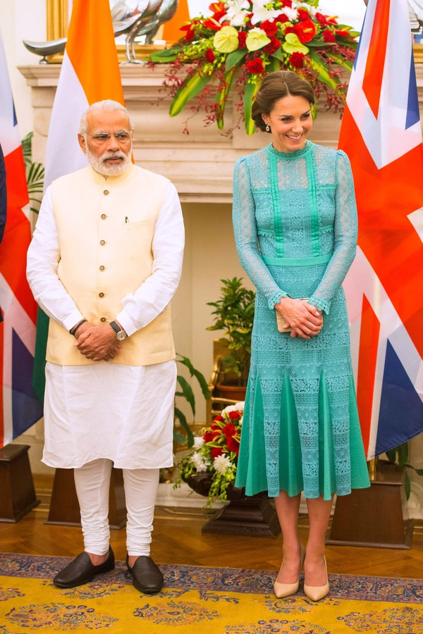 NEW DELHI, INDIA - APRIL 12:  Catherine, Duchess of Cambridge meets Prime Minister of India Narenda Modi at Hyderabad House on April 12, 2016 in New Dehli, India. The Duke and Duchess of Cambridge are on a week-long tour of India and Bhutan taking in Mumb (Foto: Getty Images)