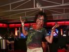 Ainda mais magra, Solange Couto volta ao Rock in Rio de shortinho