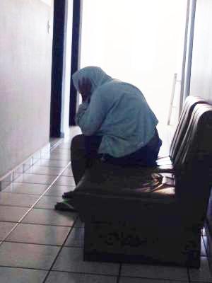 Empregada foi presa pela polícia nesta quinta-feira (9) (Foto: Mariane Rossi/G1)