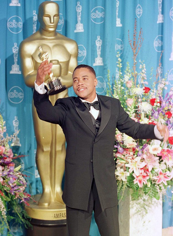 Cuba Gooding Jr. na cerimônia do Oscar em 1997 (Foto: Getty Images)