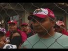Integrantes de movimentos sociais ocupam Conab em protesto em MG