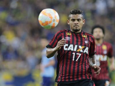 roberto atlético-pr x sportivo luqueño copa sul-americana (Foto: Giuliano Gomes/PR Press)
