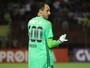 Após derrota para o Sport, Lucas Lima pede camisa de Magrão, que nega