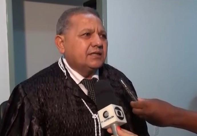 Juiz do julgamento do assassinato de Edson Piauí (Foto: TV Alvorada)